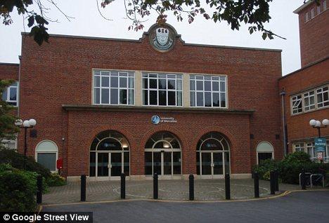 Học bổng quốc tế tại University of Worcester