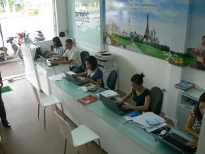 P1360500 300x225 Tuyển cộng tác viên du học