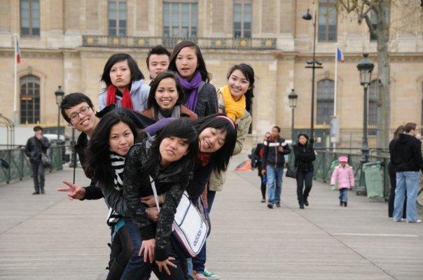 Du học sinh với 10 tips tránh sốc văn hóa và nhớ nhà