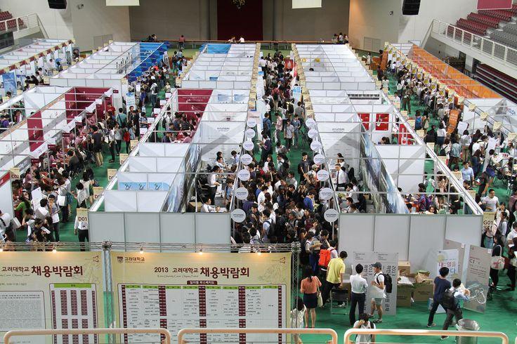 Hội trợ việc làm thường xuyên được tổ chức