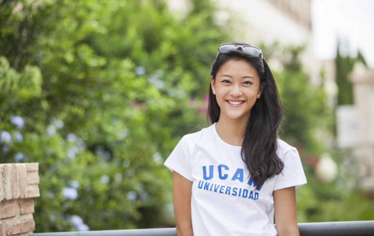 Học tiếng Tây Ban Nha miễn phí tại Đại học UCAM