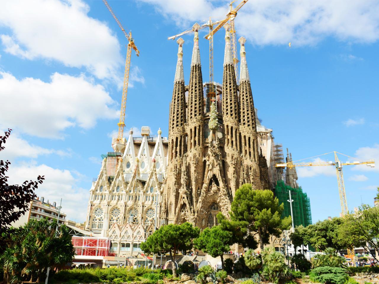 sagrada-familia-architecture-barcelona-spain.jpg.rend.tccom.1280.960