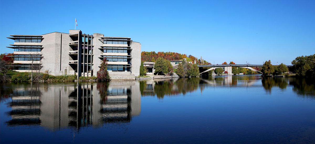 Du học Canada học bổng hấp dẫn từ đại học Trent
