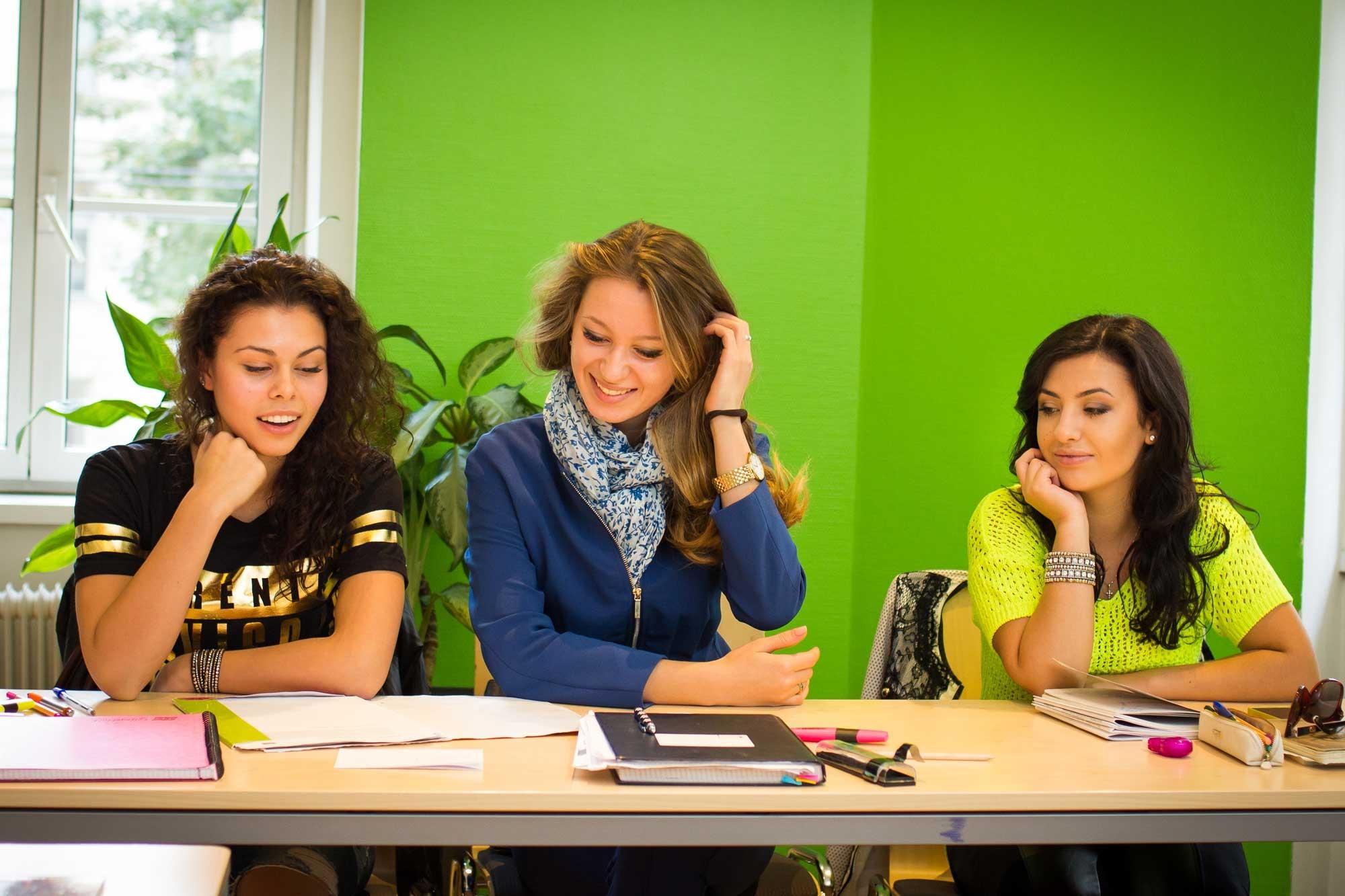 Du học Áo lựa chọn chương trình đại học song hành