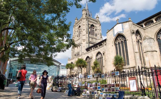 Học bổng hấp dẫn từ đại học UEA Anh Quốc
