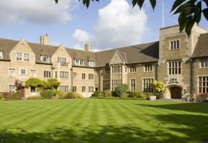 Du học Anh: Chương trình dự bị đại học tại Bellerbys College