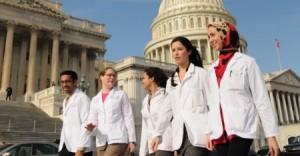 """Top 10 trường y khoa """"hot"""" nhất nước Mỹ"""