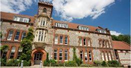 Đại học tổng hợp Winchester
