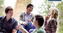 Sinh viên trường đại học Melbourne