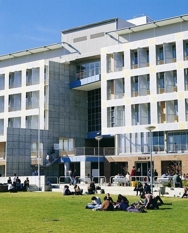 Thành công tại Học viện TAFE New South Wales, Úc
