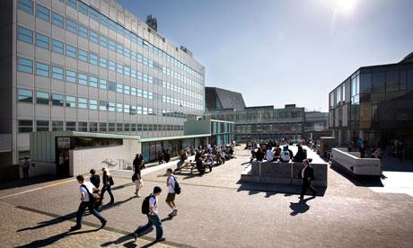 Du học Anh với 100 suất học bổng £1500 tại trường đại học Plymouth năm 2013