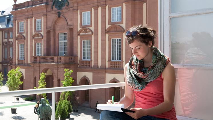 Trường đại học tổng hợp Mannheim