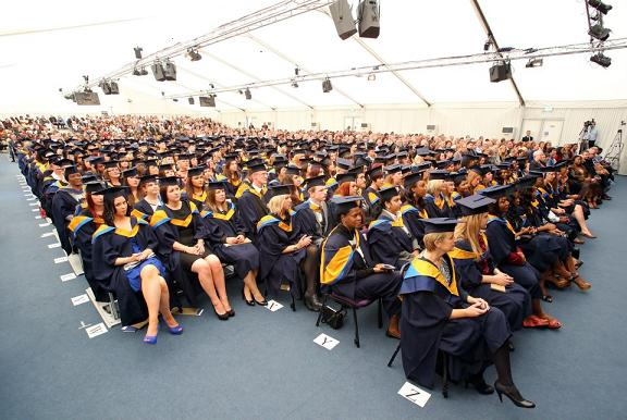 Đại học Anglia Ruskin năm 2012