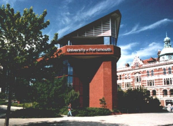 Học bổng du học Anh năm 2014 tại đại học Portsmouth