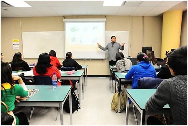 Mô hình lớp học nhỏ, tương tác giữa thầy và trò cao tại Centennial College.