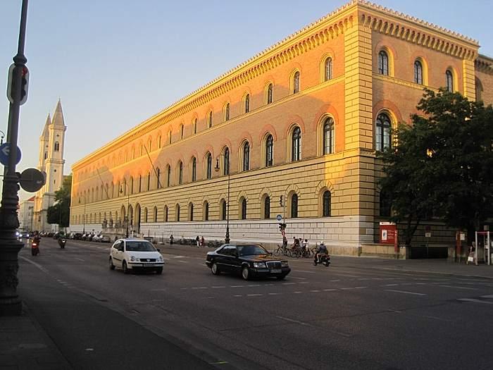 Bayerische Staatsbibliothek Du học Đức: đến München tìm hiểu đời sống sinh viên