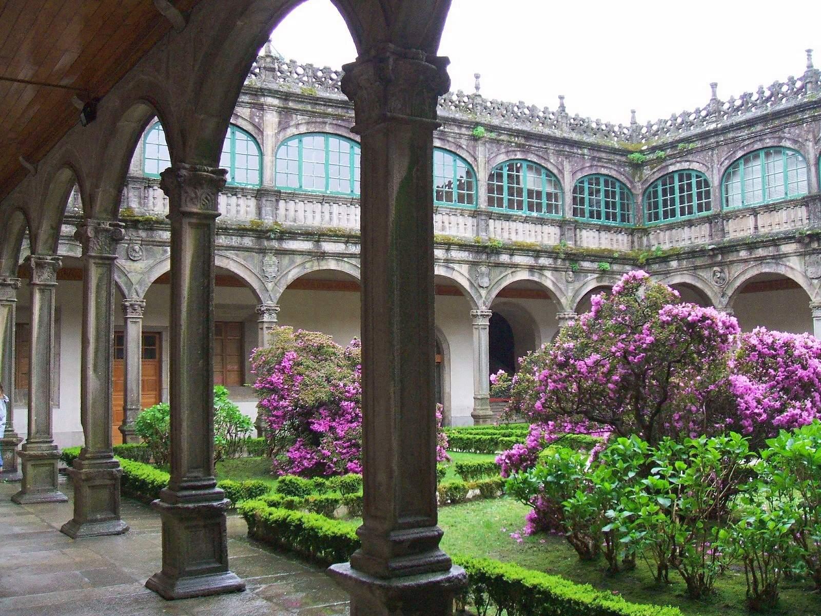 Santiago_de_Compostela_-_Colegio_de_Fonseca_(o_de_Santiago_Alfeo),_Biblioteca_General_de_la_Universidad_1