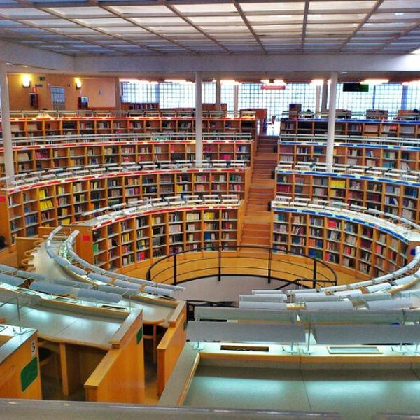 Lối kiến trúc tuyệt đẹp tại thư viện Universidad Carlos III de Madrid