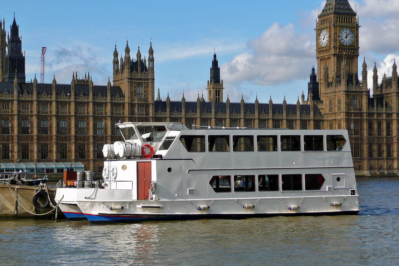 9. boat trip in thames