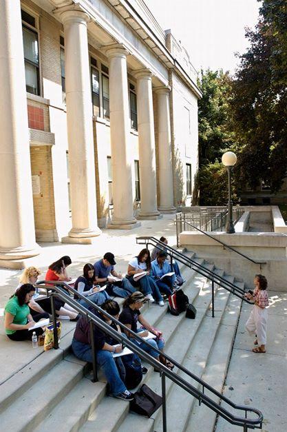 Những giờ học ngoài trời được các bạn sinh viên rất yêu thích