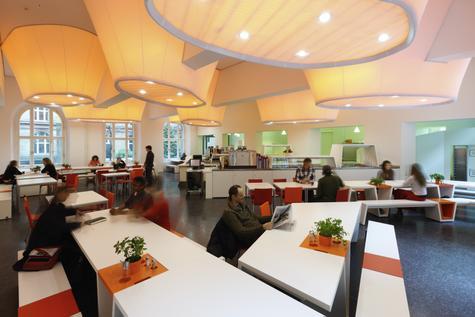 Phòng ăn của 1 Mensa thuộc trường ở Berlin