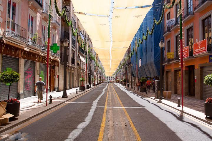 Đường phố tại Tây Ban Nha lúc nghỉ trưa