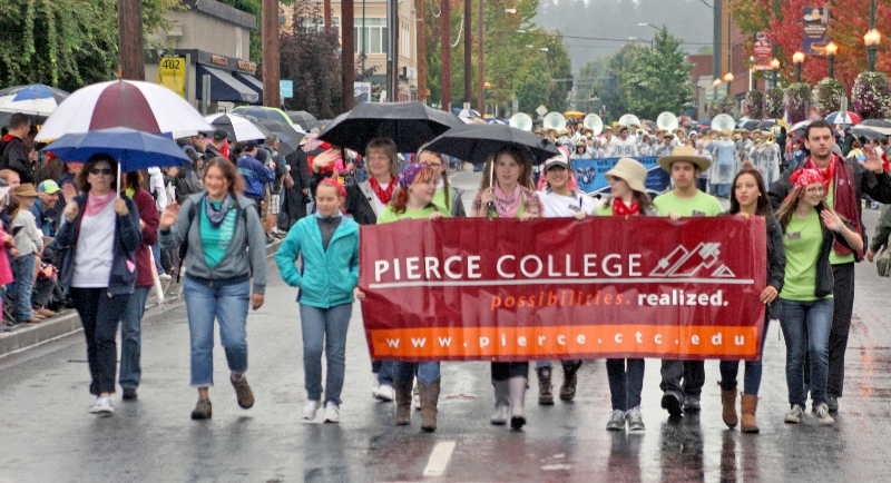 parade-pierce-college-4649