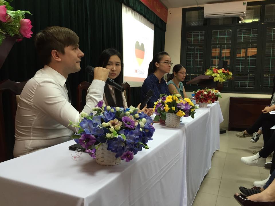 Amec giải đáp thắc mắc cho các bạn học sinh, sinh viên và các bậc phụ huynh tại buổi hội thảo du học Đức Hà Nội