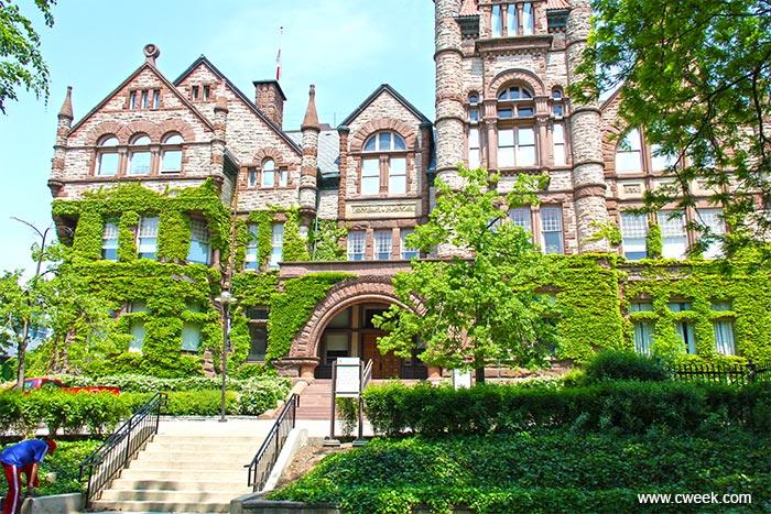 Đại học Victoria - Canada