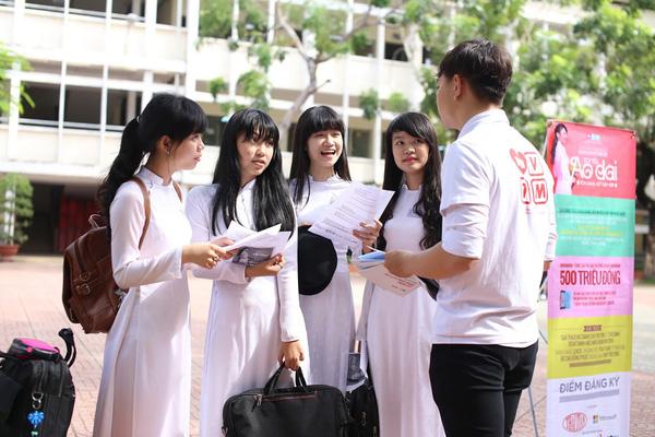 Sự khác biệt trong hướng đi của học sinh Việt và Mỹ ra sao?