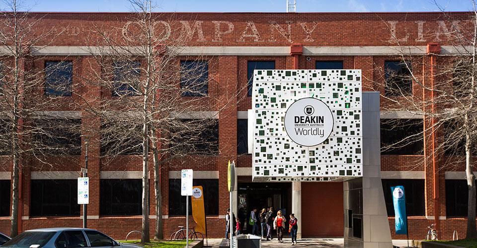 Nhận học bổng du học Úc với cao đẳng Deakin