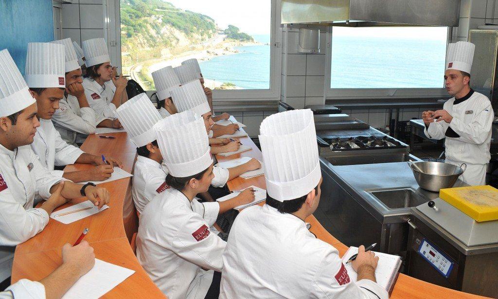 18 suất học bổng du học Tây Ban Nha 2017 đại học Stpol de Mar