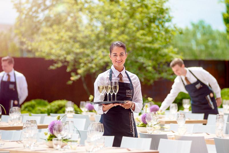 3 yếu tố phỏng vấn Visa Nhà Hàng Khách Sạn thành công – Có thể bạn chưa biết?