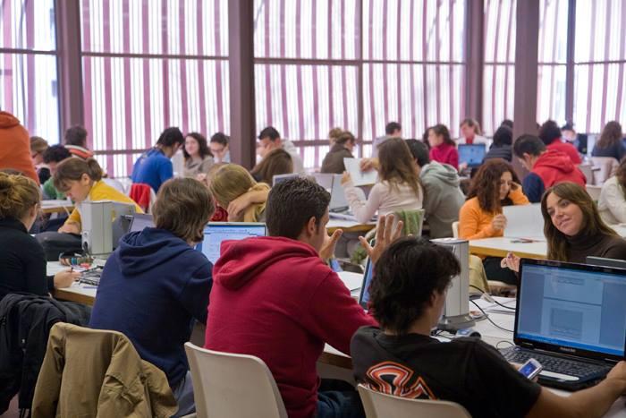 Làm phép so sánh thạc sỹ tại 4 cường quốc giáo dục TBN, Anh, Úc và Mỹ