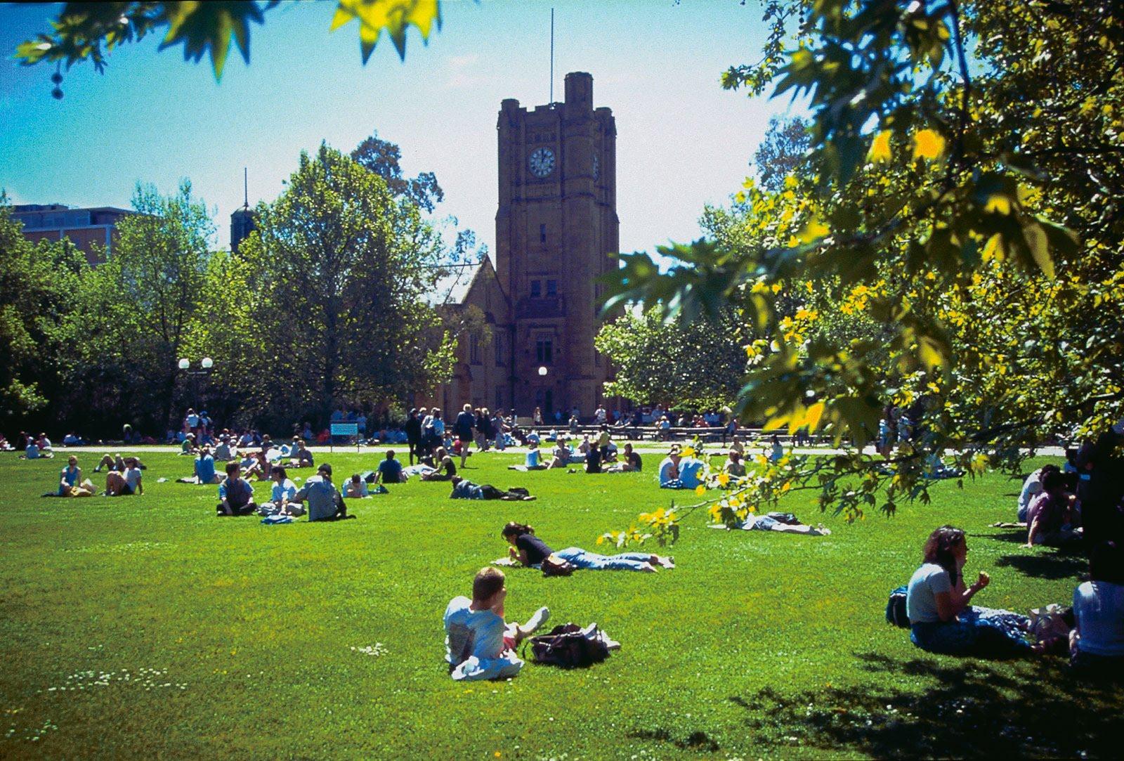 Điểm danh 5 trường đào tạo kinh tế tại Úc