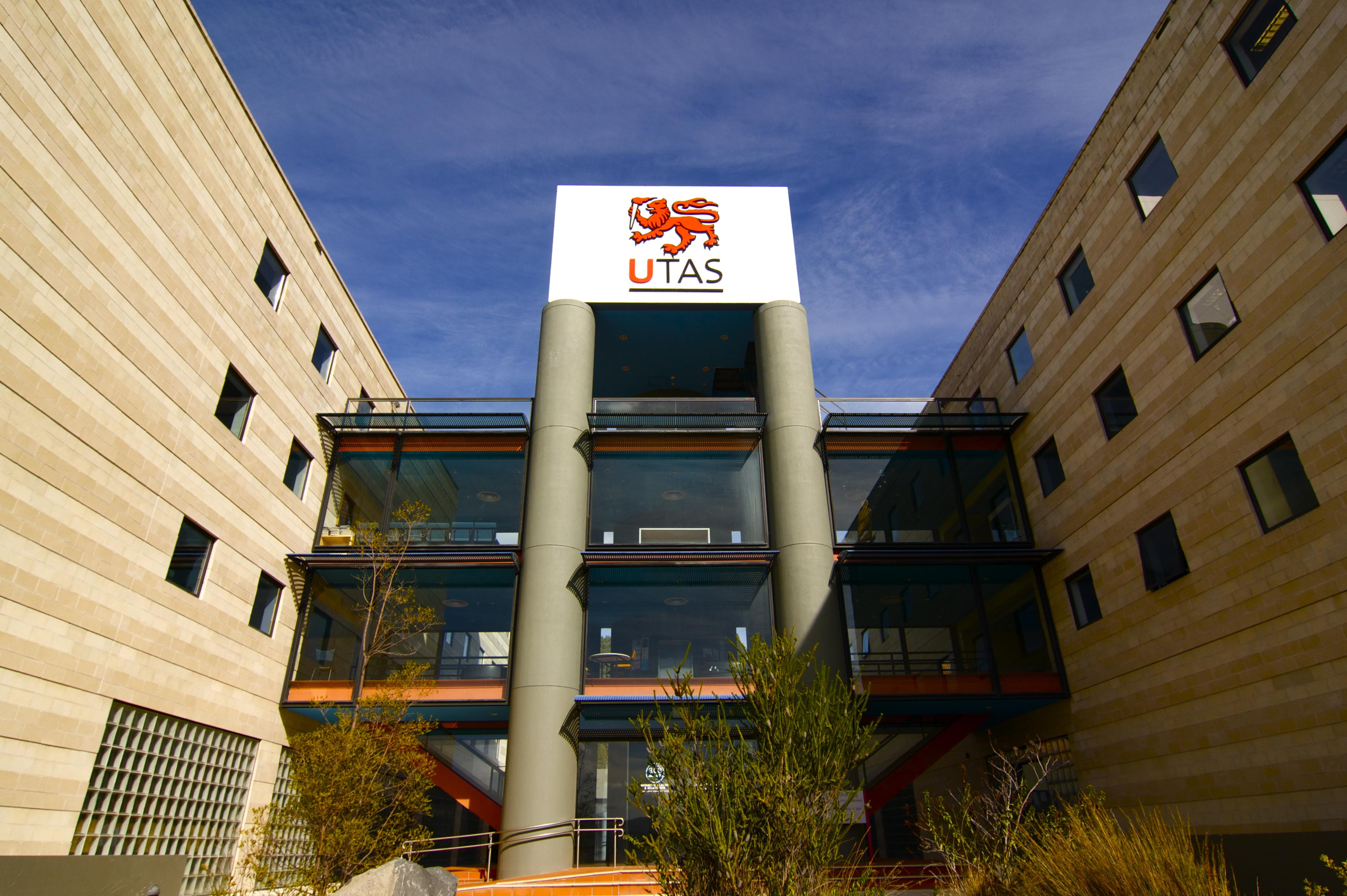 Top 15 đại học tại Úc – Tasmania ngôi trường trẻ đầy năng động
