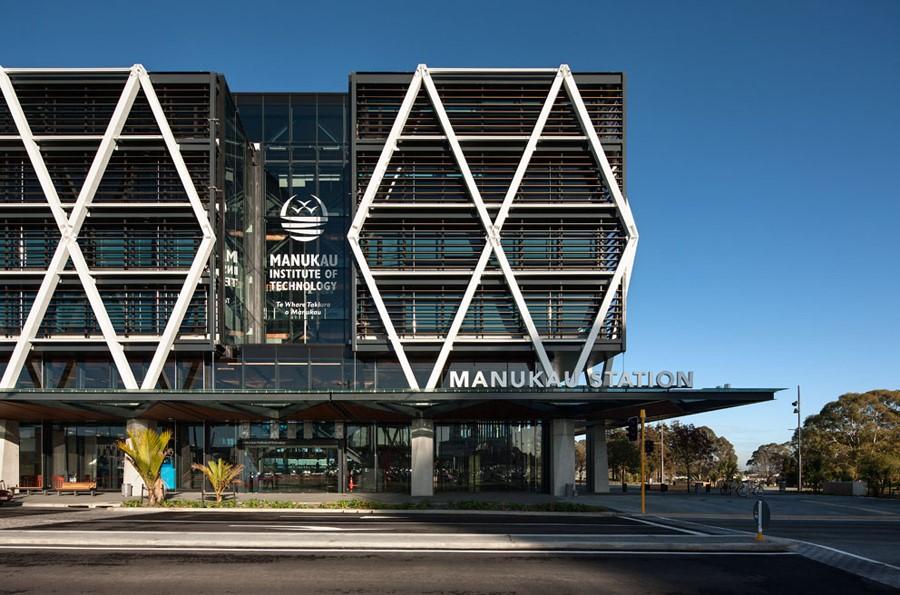 Viện công nghệ ManukauI & Các thiết bị giáo dục cao cấp nhất