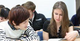 Học chuyên ngành bằng Tiếng Anh tại đại học Hàn Quốc có nên không?