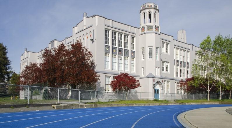 Trung học Point Grey tại trung tâm Vancouver, Canada