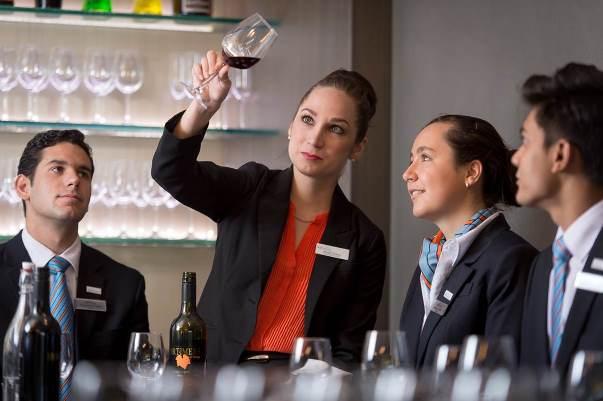 Cao đẳng Blue Moutain IHMS đào tạo Quản lý khách sạn hàng đầu Úc