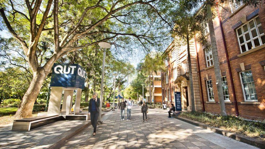 Học bổng tại ĐH Công nghệ Queensland danh tiếng của Úc