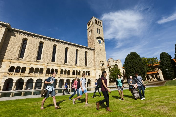 Đại học Tây Úc – University of Western Australia và vô vàn học bổng HOT