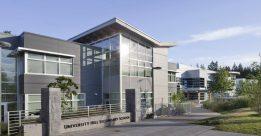 Trường Trung học University Hill tại British Columbia, Canada