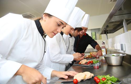 Chạm tay vào giấc mơ Đức với du học nghề ngành Nhà hàng khách sạn