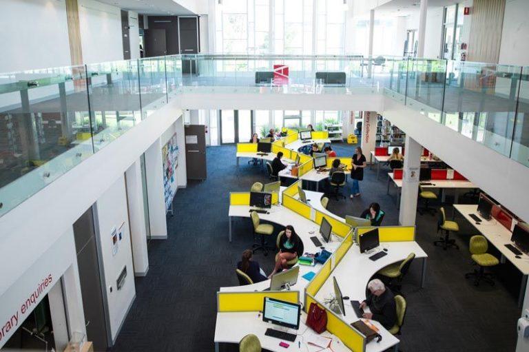 Phòng học máy tính đại học Utas