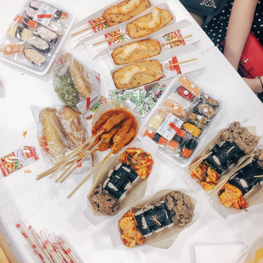 Du học sinh Hàn Quốc làm thế nào tiết kiệm tiền ăn