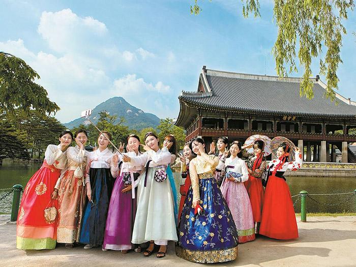 Tại đại học Ajou bạn có thể đắm chìm vào các bộ phim Hàn Quốc lãng mạn